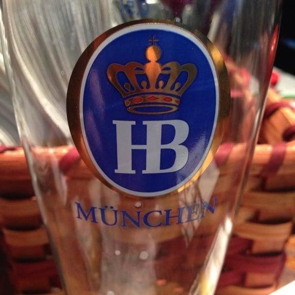 Photo prise au Wurst Und Bier par Don L. le6/14/2013
