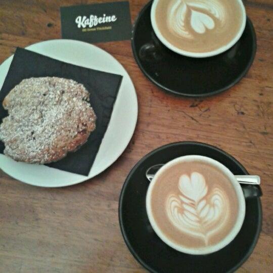1/9/2013 tarihinde Anna J.ziyaretçi tarafından Kaffeine'de çekilen fotoğraf