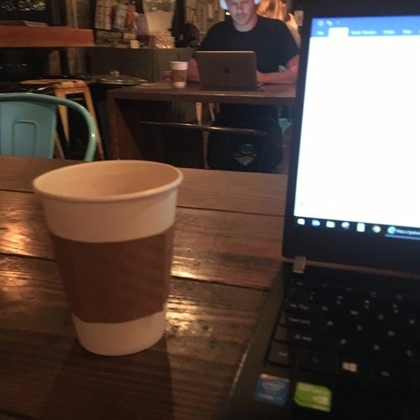 10/16/2018에 Frank w.님이 Sip Coffee & Beer House에서 찍은 사진