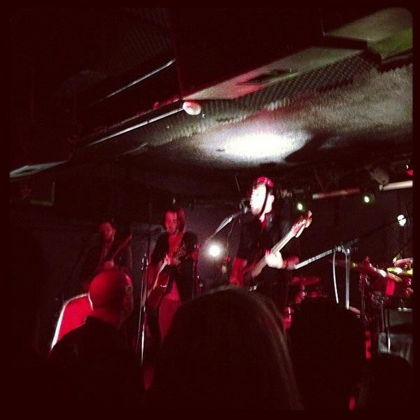 Foto tomada en Rock & Roll Hotel por Casey C. el 10/24/2012