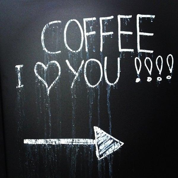 Foto tirada no(a) Viggo's Specialty Coffee por Stijn W. em 4/15/2013