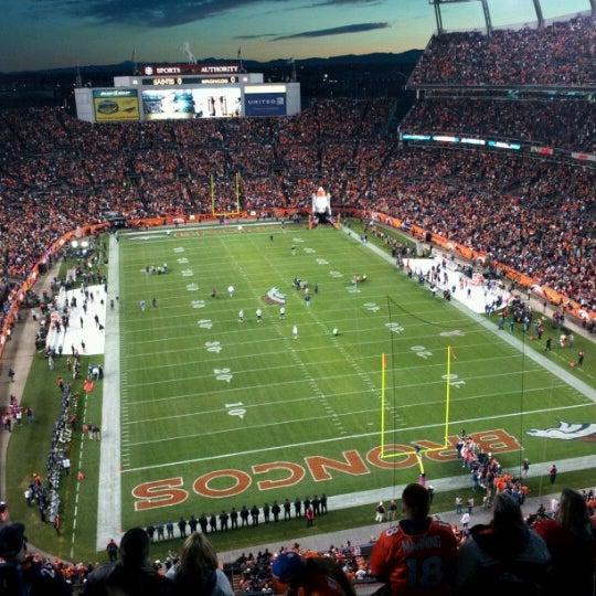 Foto diambil di Broncos Stadium at Mile High oleh Matt H. pada 10/29/2012