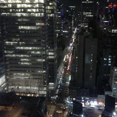 Снимок сделан в Sky Room пользователем Roman B. 4/20/2013