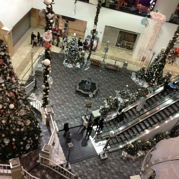 Снимок сделан в Plaza Universidad пользователем Jaime 12/26/2012
