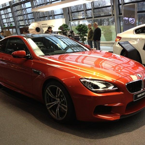 Foto tirada no(a) BMW Welt por Саша П. em 3/9/2013
