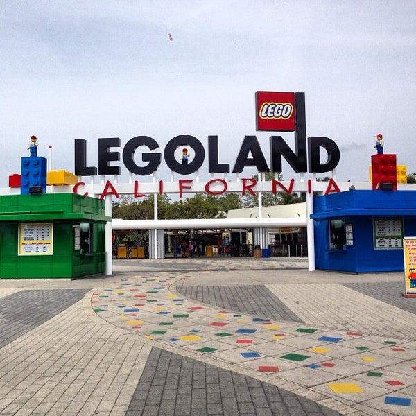 Foto tirada no(a) Legoland California por Jesse S. em 4/7/2013