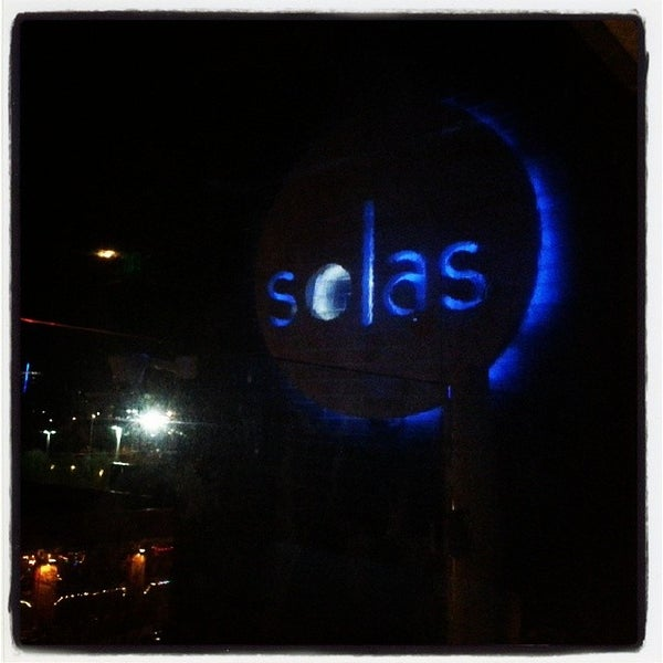 Снимок сделан в Solas Lounge & Rooftop Bar пользователем John L. 3/1/2014