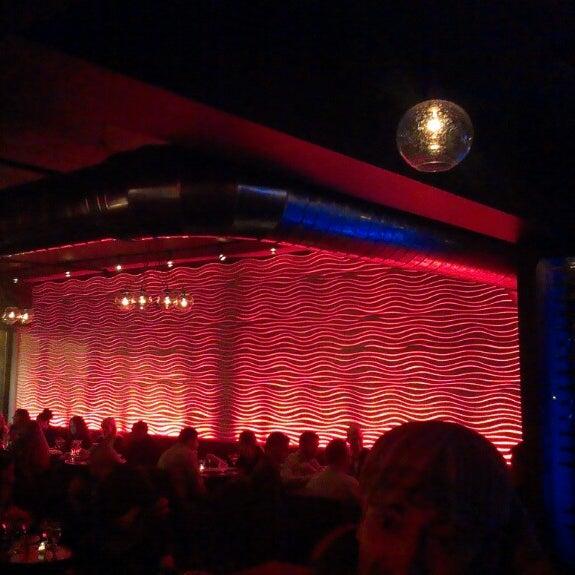 10/26/2013 tarihinde ᴡ W.ziyaretçi tarafından Corked Bar, Grill, Nightclub'de çekilen fotoğraf