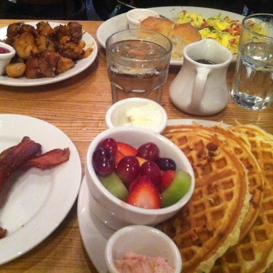 10/19/2012 tarihinde Antonio S.ziyaretçi tarafından Good Enough to Eat'de çekilen fotoğraf