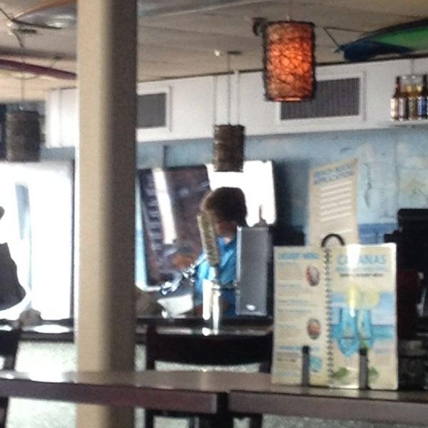 Foto tomada en Cabanas Beach Bar and Grill por Emily M. el 6/2/2013