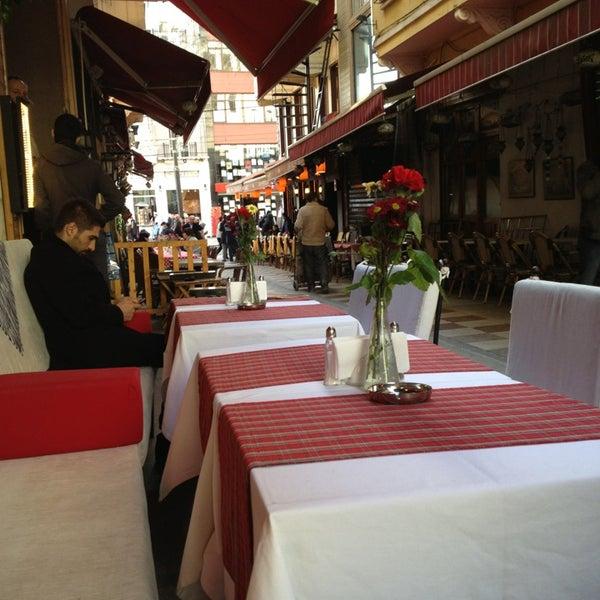 รูปภาพถ่ายที่ Faros Old City โดย Svetlana E. เมื่อ 2/5/2013
