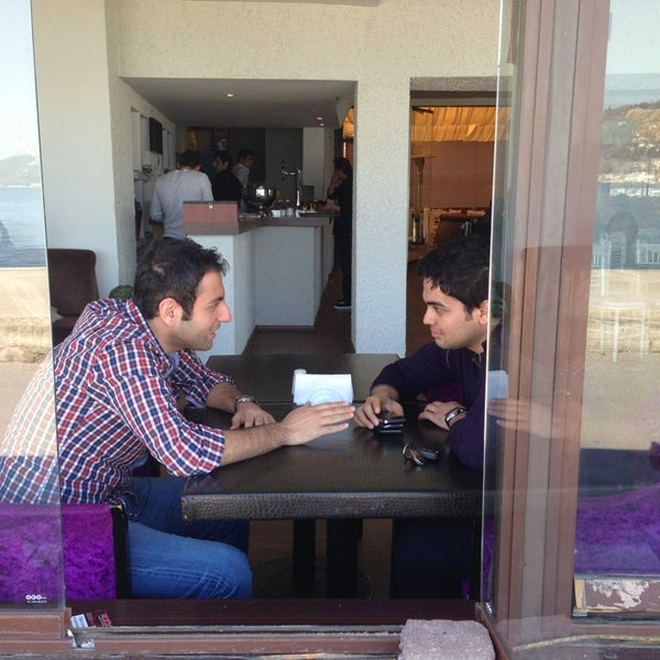 Photo prise au Biba Cafe par Ferdi G. le4/13/2013