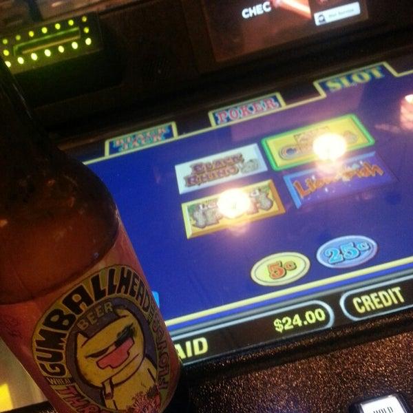 รูปภาพถ่ายที่ Horseshoe Hammond Casino โดย John F. เมื่อ 7/8/2013