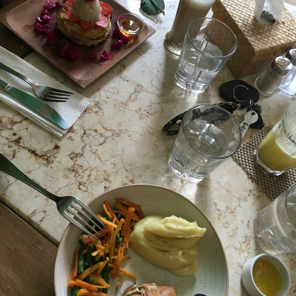 Interior is tasteless but food was good!