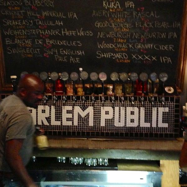 รูปภาพถ่ายที่ Harlem Public โดย Geddes G. เมื่อ 4/27/2013