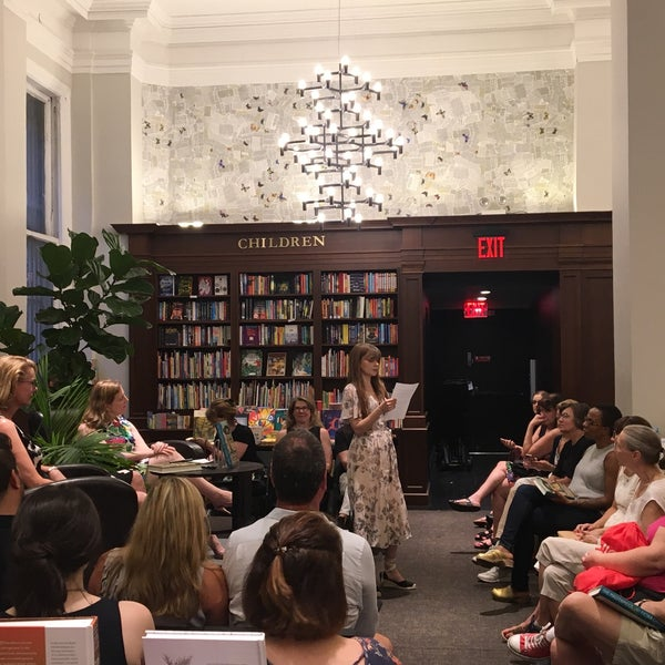 Снимок сделан в Rizzoli Bookstore пользователем Amanda W. 8/7/2018