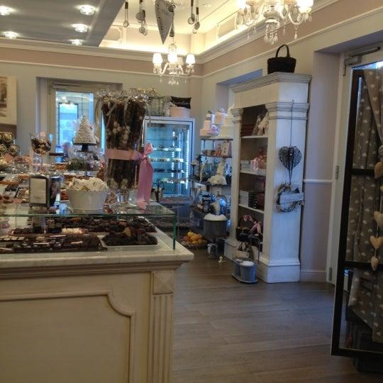 รูปภาพถ่ายที่ Antonella Dolci e Caffé โดย Manuela เมื่อ 12/3/2012