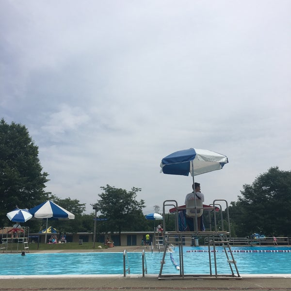 Greenburgh Town Pool - 4 tips from 158 visitors