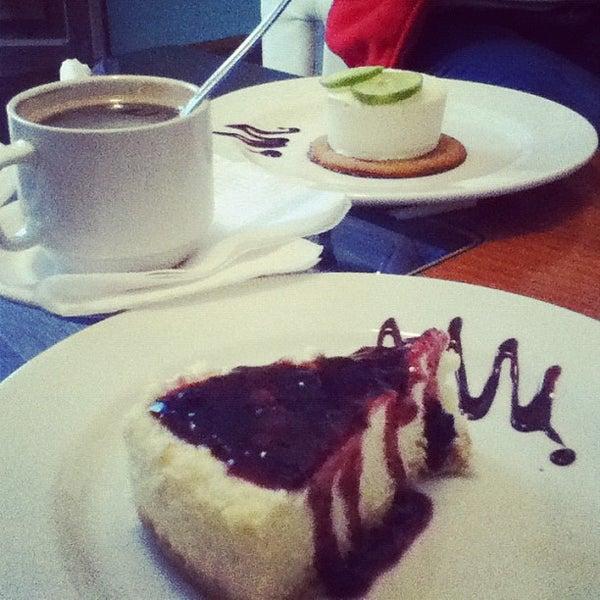 Foto tomada en Café Jaguar Yuú por Ed Iveth C. el 11/28/2012