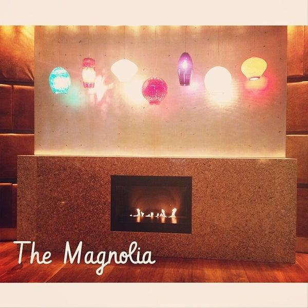 รูปภาพถ่ายที่ Magnolia Hotel โดย Jonna P. เมื่อ 4/26/2014