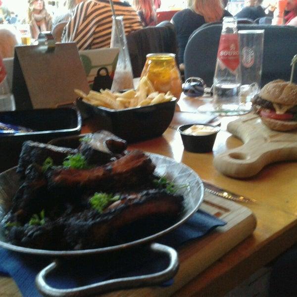 Foto diambil di Café Bolle oleh Sabine pada 8/27/2014