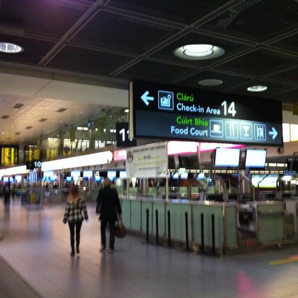 Foto tirada no(a) Aeroporto de Dublin (DUB) por Sabine em 4/22/2013