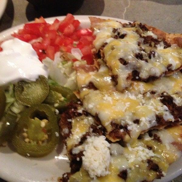 รูปภาพถ่ายที่ El Real Tex-Mex Cafe โดย Greg C. เมื่อ 8/12/2013