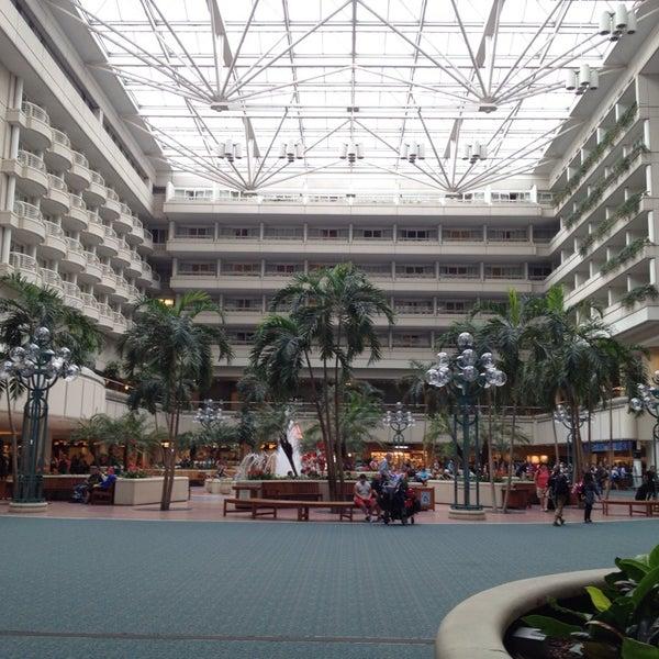 Foto tirada no(a) Aeroporto Internacional de Orlando (MCO) por M. G. em 10/20/2013