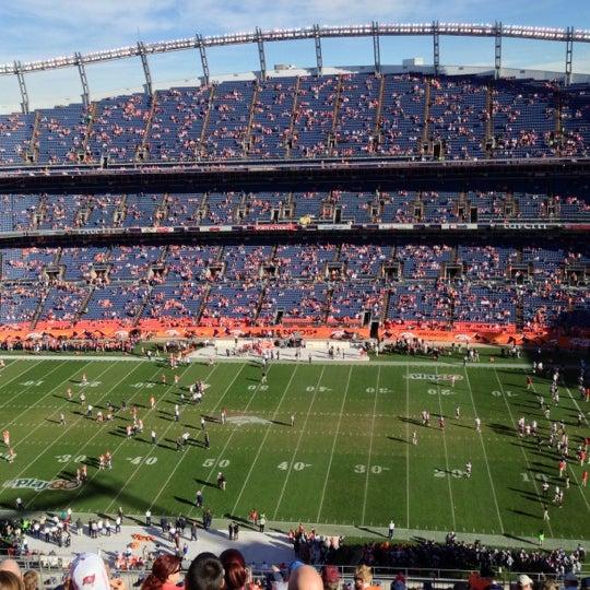 Foto diambil di Broncos Stadium at Mile High oleh Pat M. pada 12/2/2012