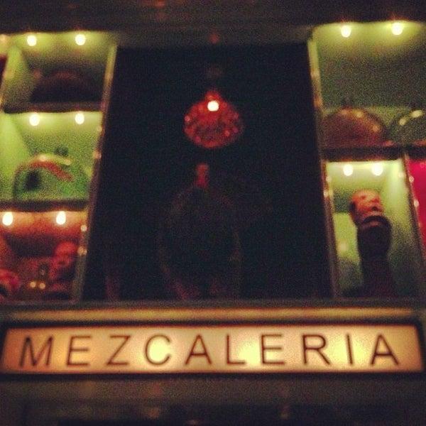 Foto tomada en Casa Mezcal por Mollie  G. el 2/2/2013