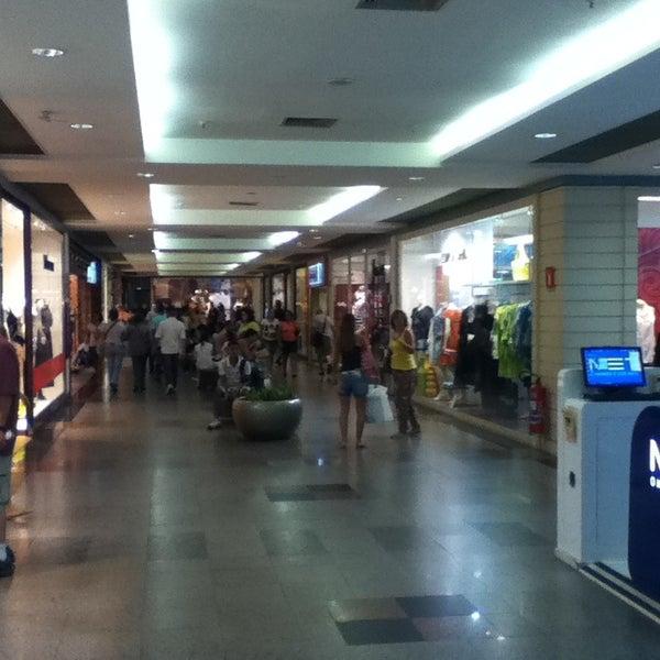 2/23/2013 tarihinde Feliphe M.ziyaretçi tarafından Shopping Tijuca'de çekilen fotoğraf