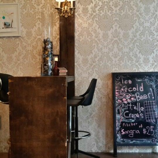 7/11/2013 tarihinde Sungjoon Steve W.ziyaretçi tarafından Shervin's Cafe'de çekilen fotoğraf