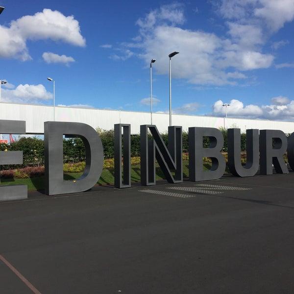 Das Foto wurde bei Edinburgh Airport (EDI) von Ellie K. am 9/25/2016 aufgenommen