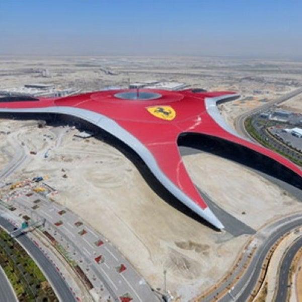 Foto tomada en Ferrari World Abu Dhabi por Khakim A. el 3/14/2013