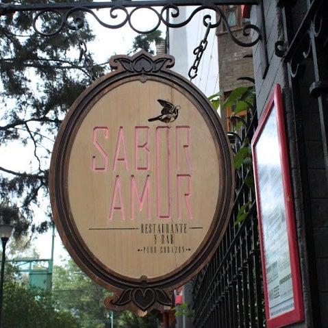 Das Foto wurde bei Sabor Amor von Glenda M. am 10/6/2012 aufgenommen