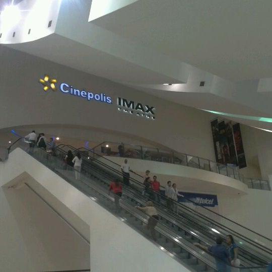 Снимок сделан в Plaza Universidad пользователем Manuel H. 3/1/2012