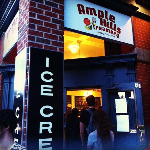Снимок сделан в Ample Hills Creamery пользователем Alex D. 7/23/2012