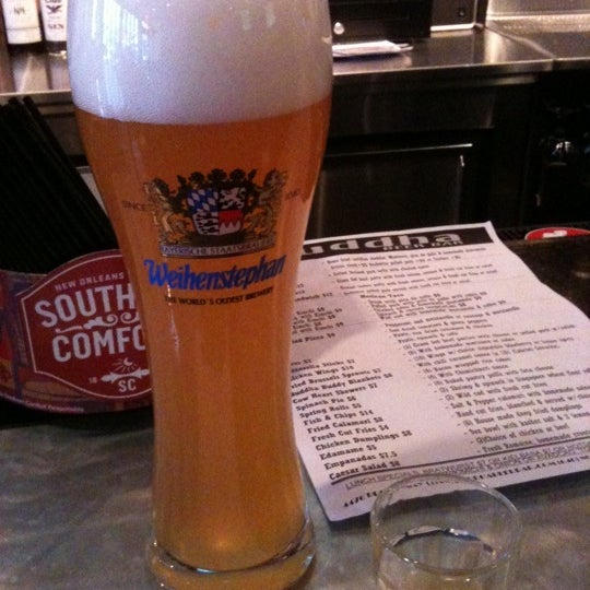 Photo prise au Buddha Beer Bar par Kristin T. le4/6/2012