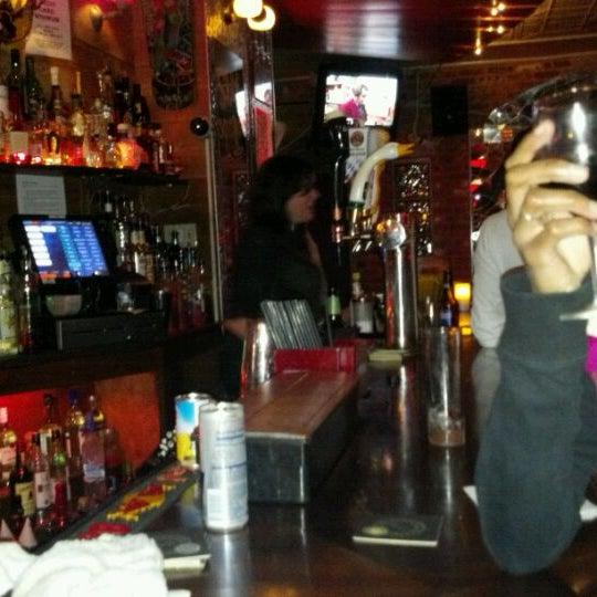 Снимок сделан в Barramundi Bar пользователем Amanda H. 10/30/2011