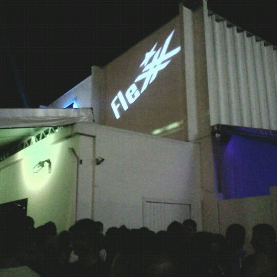 Foto diambil di Flexx Club oleh John M. pada 10/23/2011