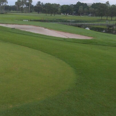 Das Foto wurde bei Palmetto Golf Course von Dedrick B. am 7/12/2012 aufgenommen