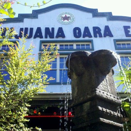 10/4/2011にKevin P.がTijuana Garageで撮った写真