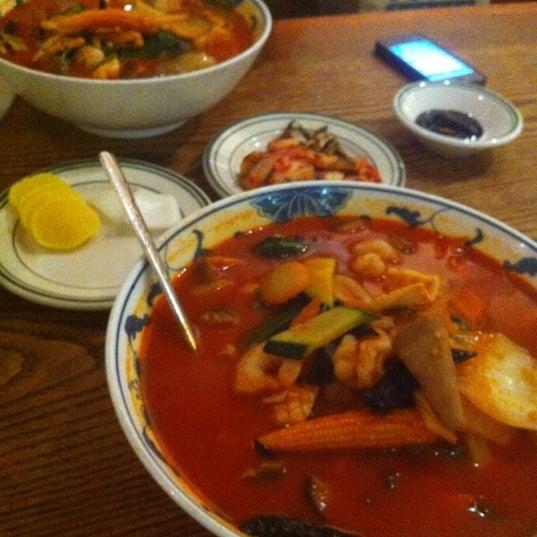 Foto scattata a Hyo Dong Gak da Rollin L. il 9/3/2012