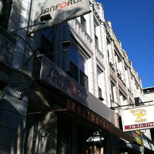 4/27/2012に@AstoriaHaikuがSanfordsで撮った写真