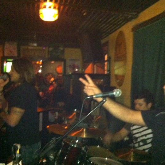 Foto diambil di All Black Irish Pub oleh Augusto F. pada 4/11/2012