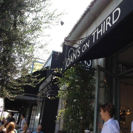 Photo prise au Joan's on Third par alfonzo y. le7/23/2012
