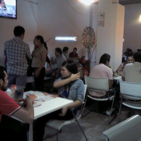 รูปภาพถ่ายที่ Jerónimas โดย Pau V. เมื่อ 6/8/2012
