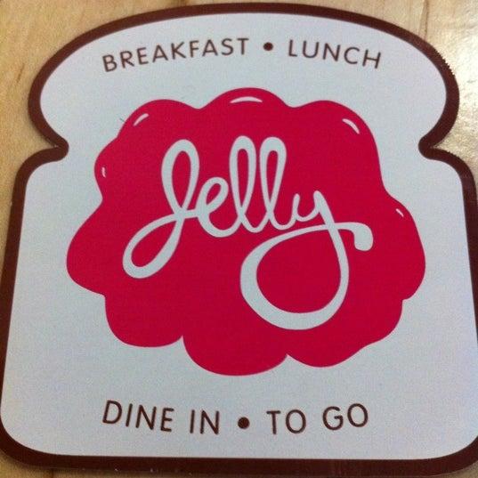 Foto scattata a Jelly Cafe da Will B. il 1/23/2011