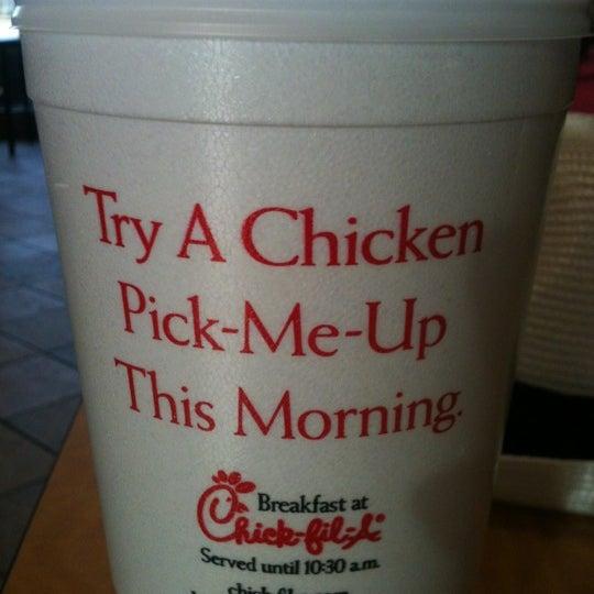 Foto diambil di Chick-fil-A oleh Ben L. pada 1/5/2012
