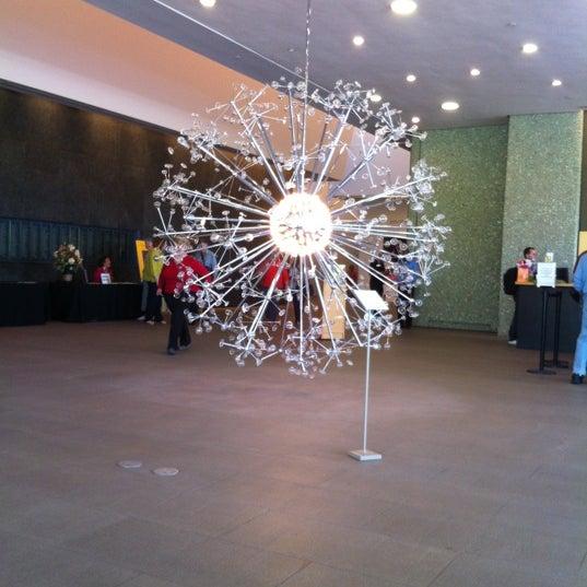 Снимок сделан в Phoenix Art Museum пользователем Laura G A. 4/15/2012